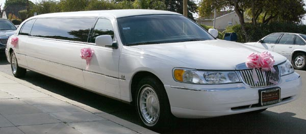 White Lincoln Limousine exterior right front side